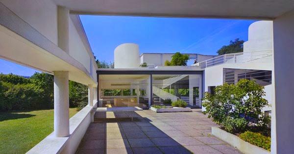 Villa savoye l 39 architettura di le corbusier alle porte - Le corbusier tetto giardino ...