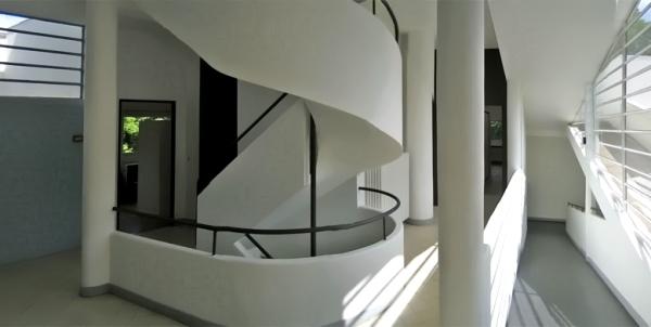 Villa savoye l 39 architettura di le corbusier alle porte di parigi - Le corbusier tetto giardino ...