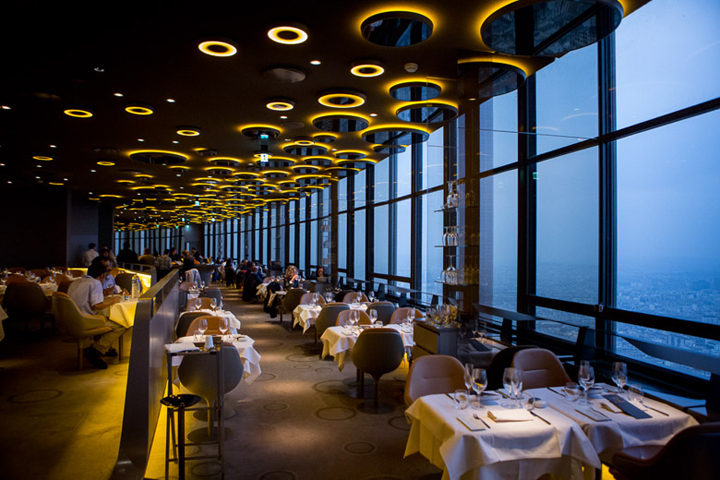 ciel de paris il ristorante della tour montparnasse vivi parigi. Black Bedroom Furniture Sets. Home Design Ideas